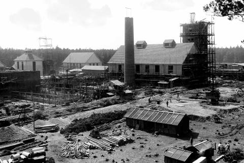 The Burghausen plant undergoing construction