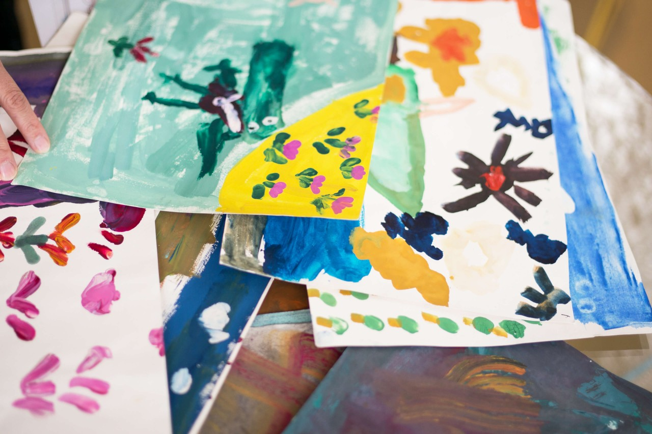 Children's paintings from the WACKER HELP charitable project
