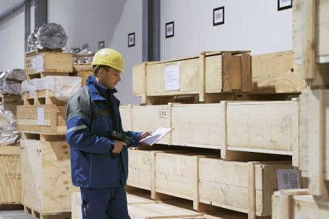 Employee stocktaking in a warehouse